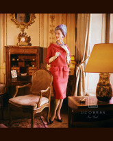 Model in a Suzanne Luling's Parisian Residence